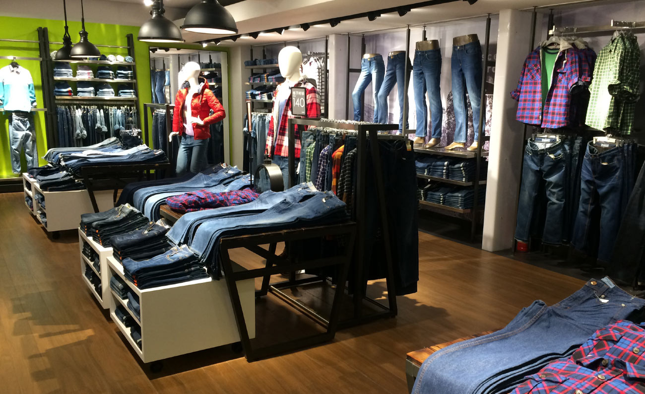 Jeanswest Retail Environment